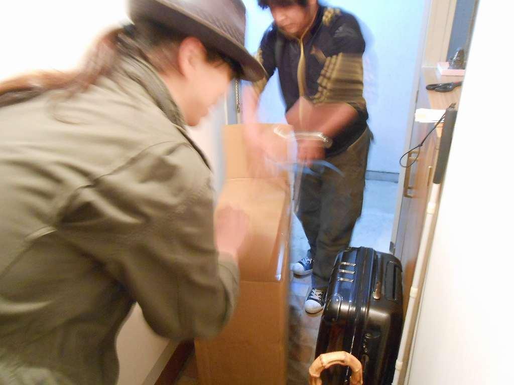 ほーじんさんがケースを運んでくれました。